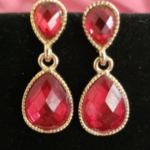 Jewelry - Red & gold drop earrings with post back